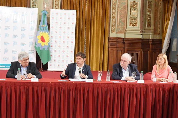 Magario participó junto a Kicillof de la firma del convenio para la apertura del Sanatorio Antártida