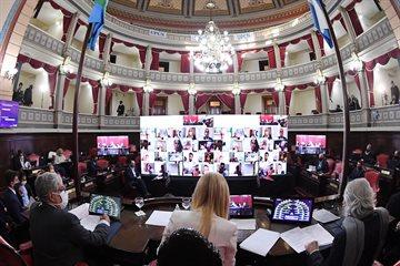 Senadores aprobaron por unanimidad modificaciones al reglamento interno para sesionar virtualmente
