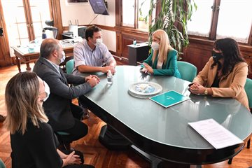 Junto a senadores provinciales Verónica Magario se reunió con el intendente de 9 de Julio